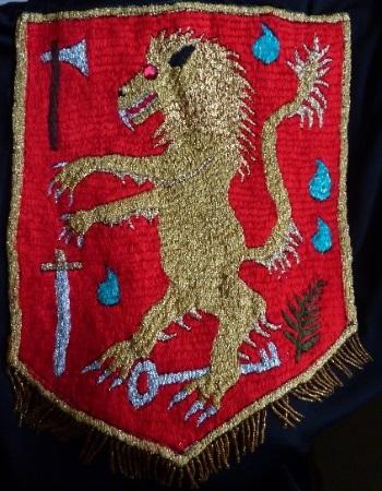 Wappen-1-Iris-Hennemann-Königin-Schatten-Recherchen-350